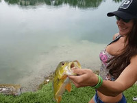 005HOT GIRLS who Love FISHING TOO MUCH-min
